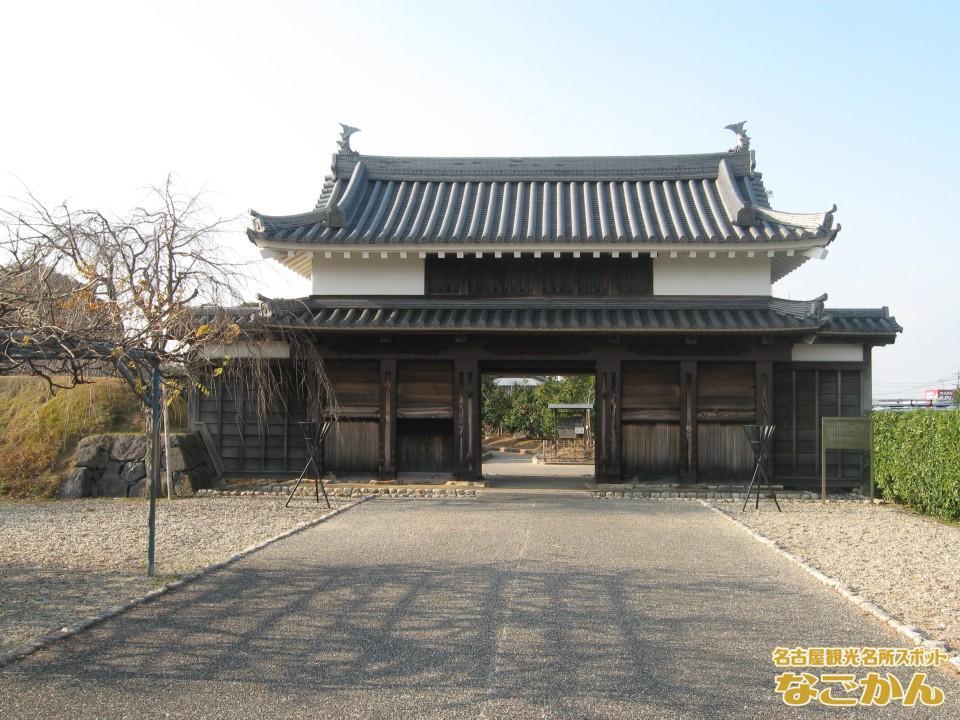 西尾市歴史公園「鍮石門(ちゅうじゃくもん)」